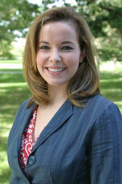 Kinesiology graduate Dana Voelker wins scholarship