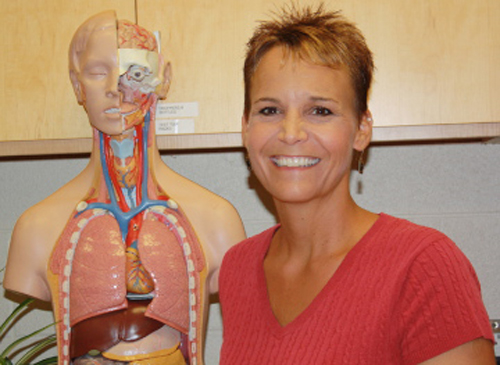 Alumna receives national biology teacher award